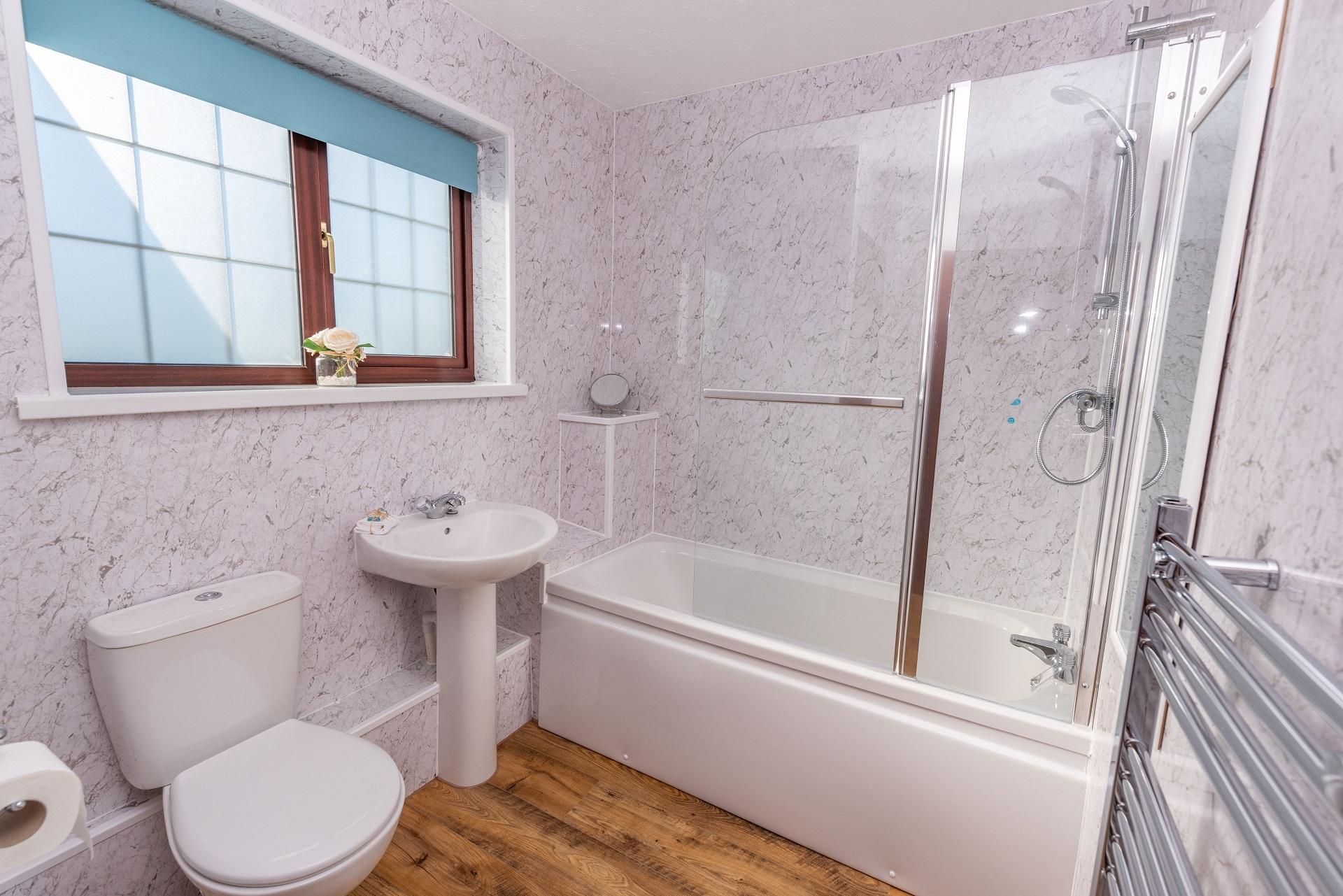 Willingcott 25 Bathroom