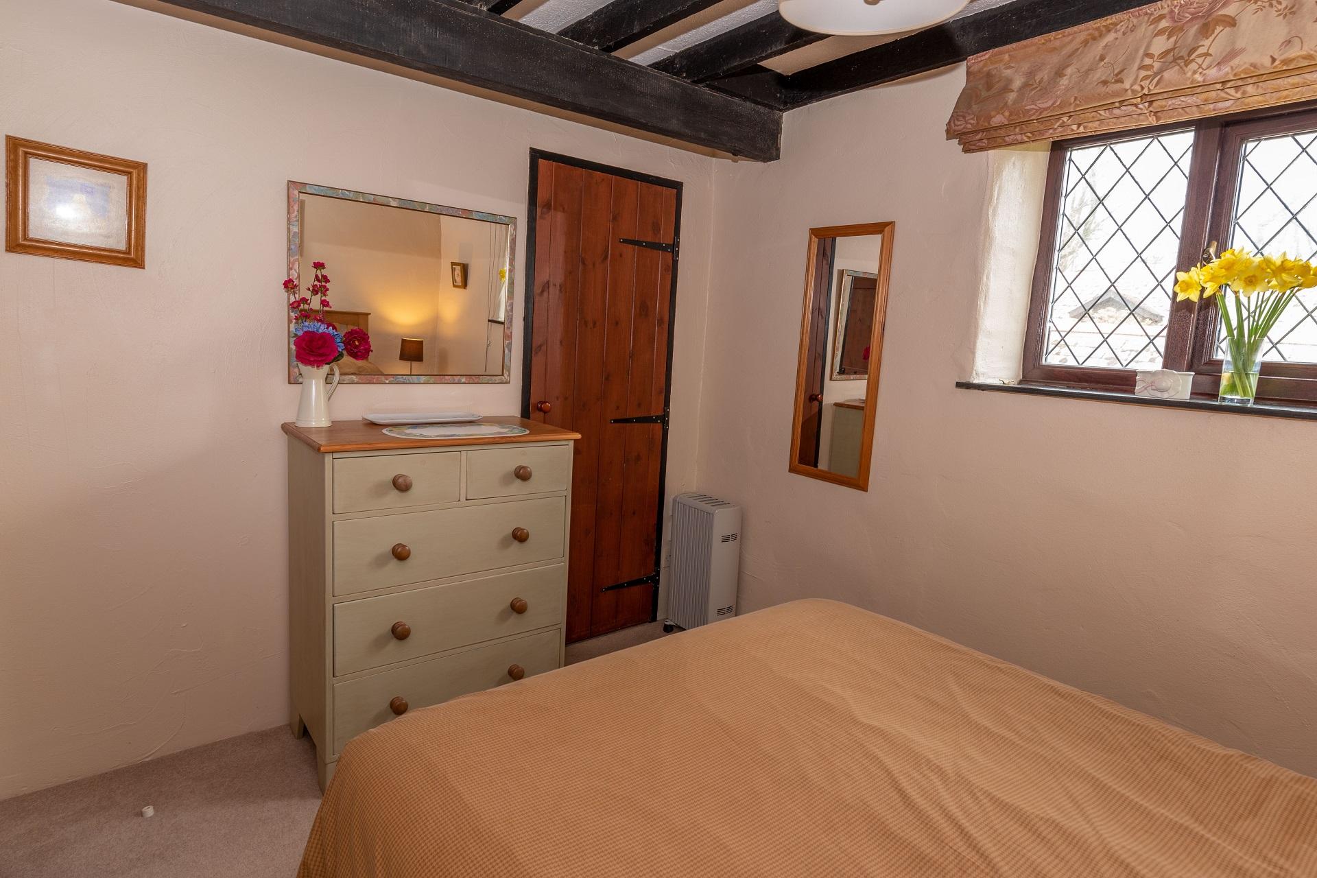 Byre Cottage Bedroom1 3
