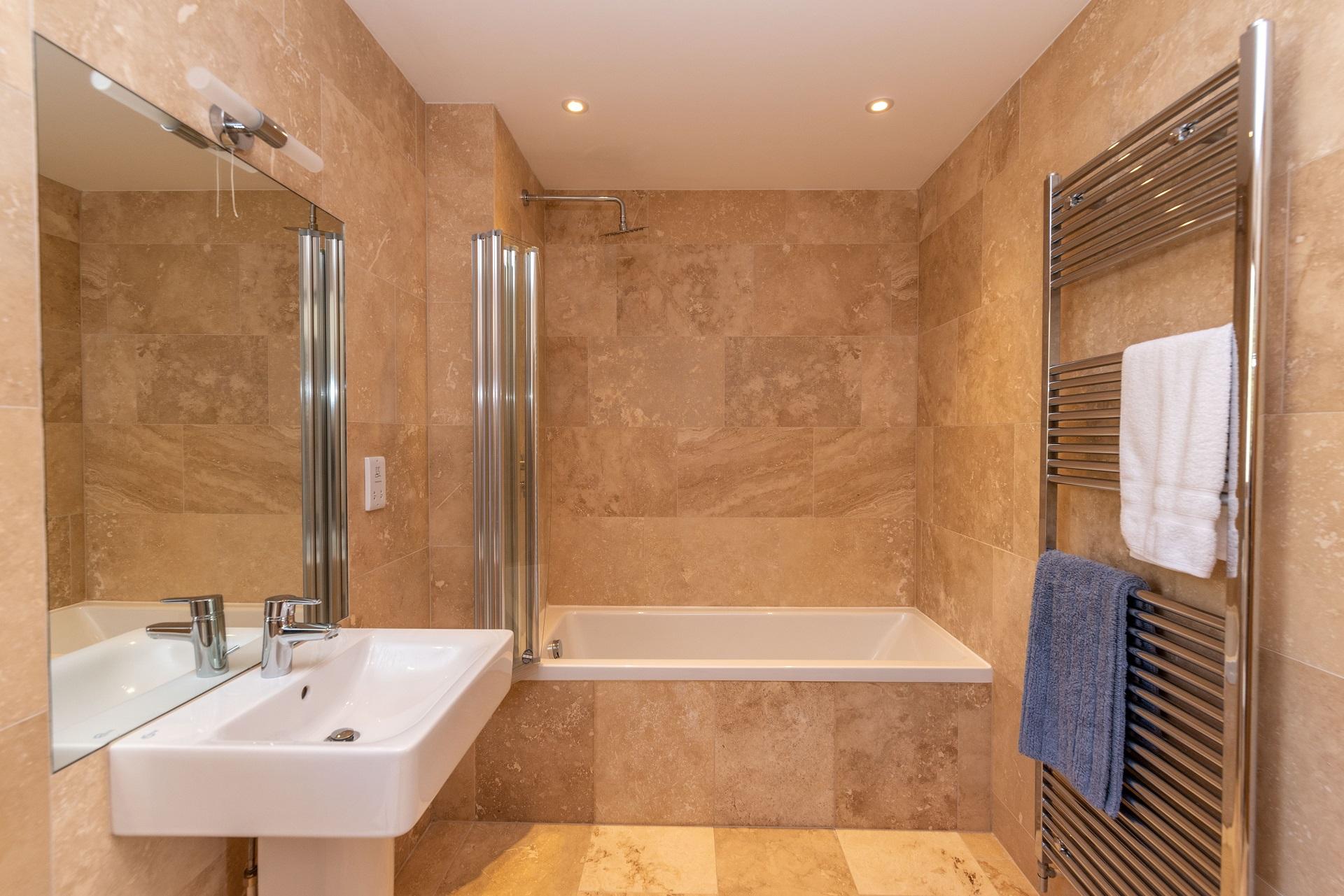 Rockpool Bathroom1 2