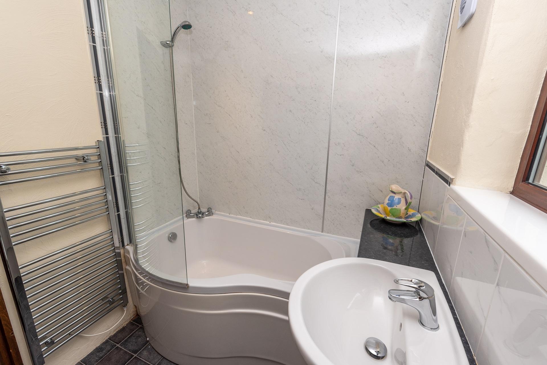 Willingcott 24 Bathroom 3
