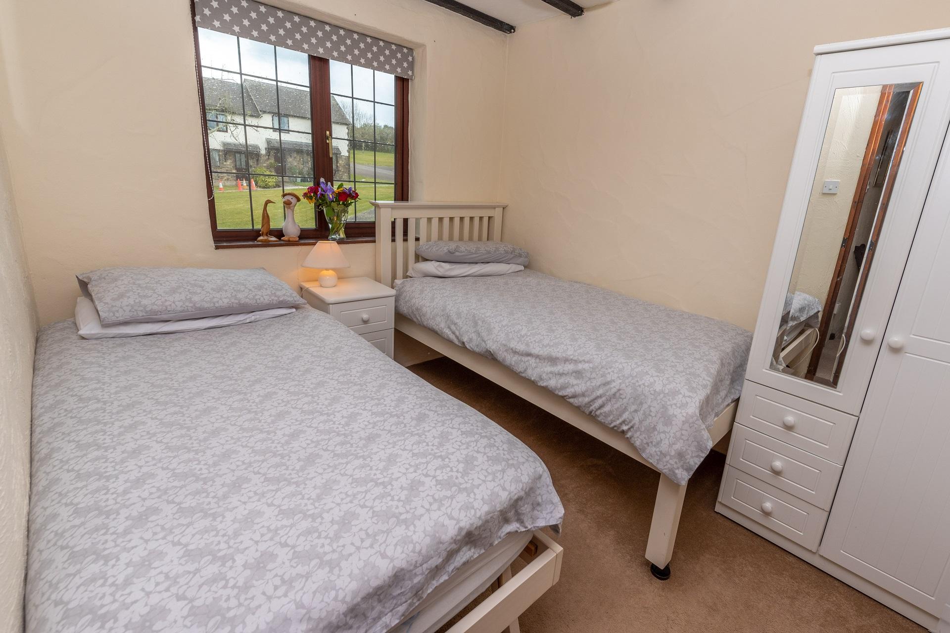 Willingcott 24 Bedroom2