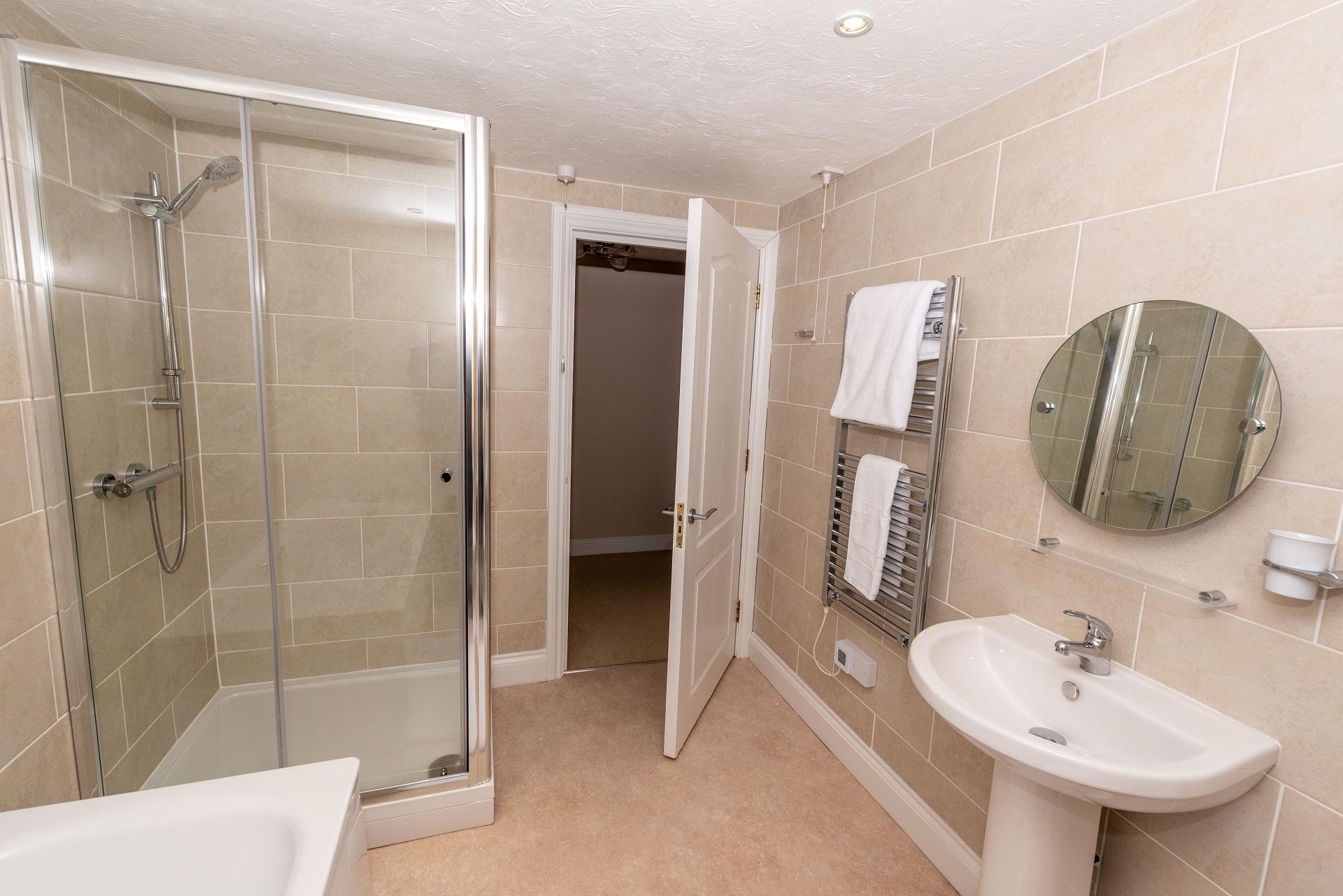 Wilderscombecount8 Bathroom 2