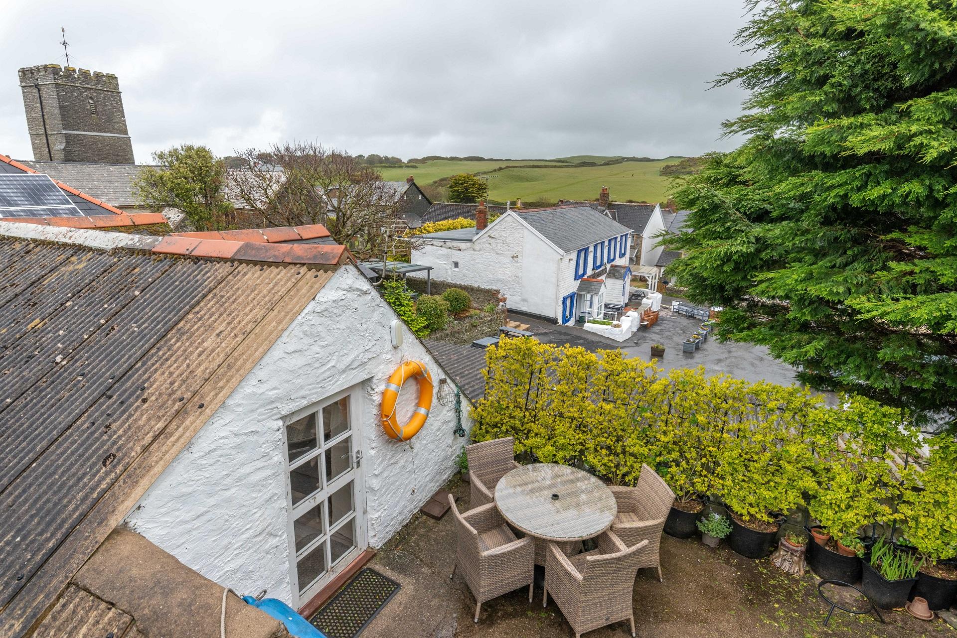 Chich Cottage Gardenview 2