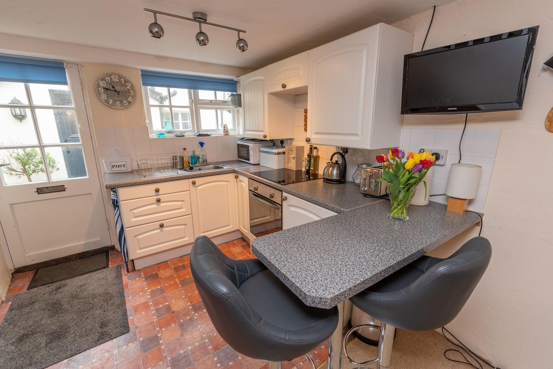 Chich Cottage Kitchen Lounge 2