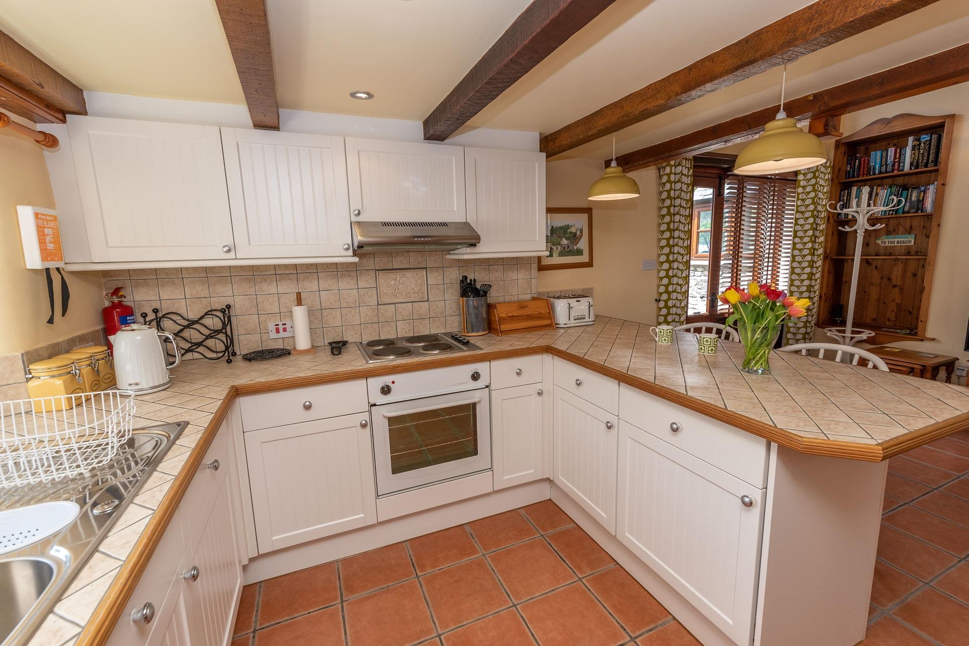 Billygoldsworthy Lounge Kitchen 3