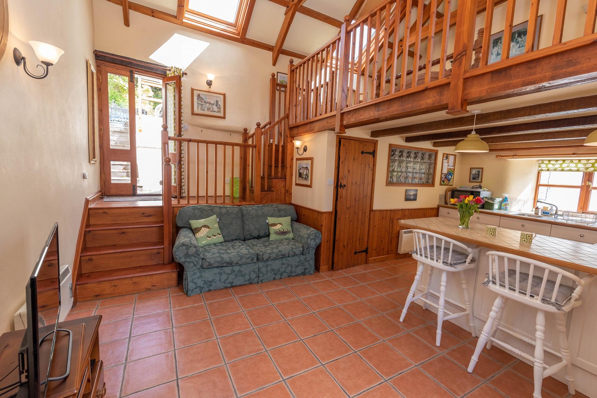 Billygoldsworthy Lounge Kitchen 6