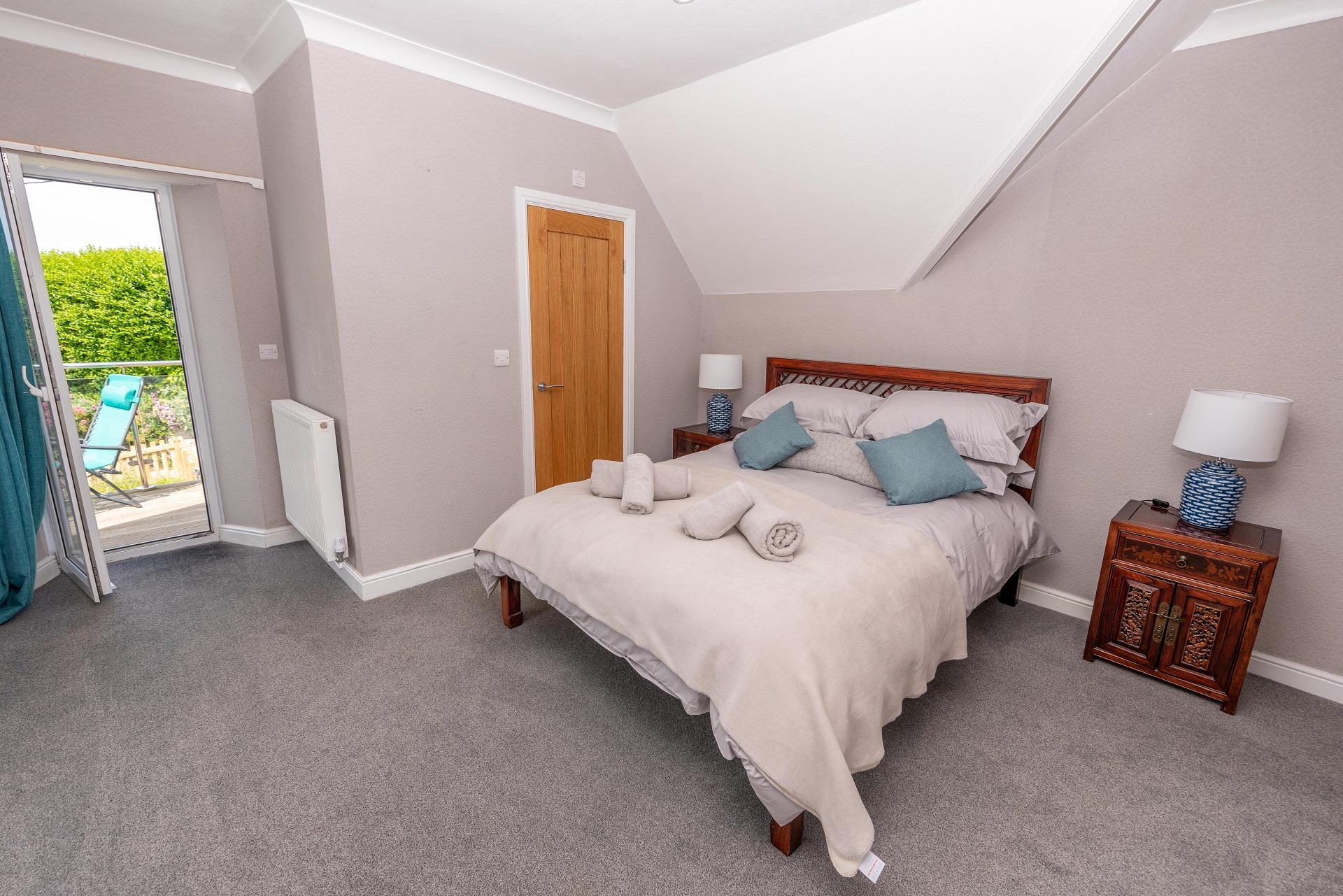 Combesgatehouse Bedroom1 Copy