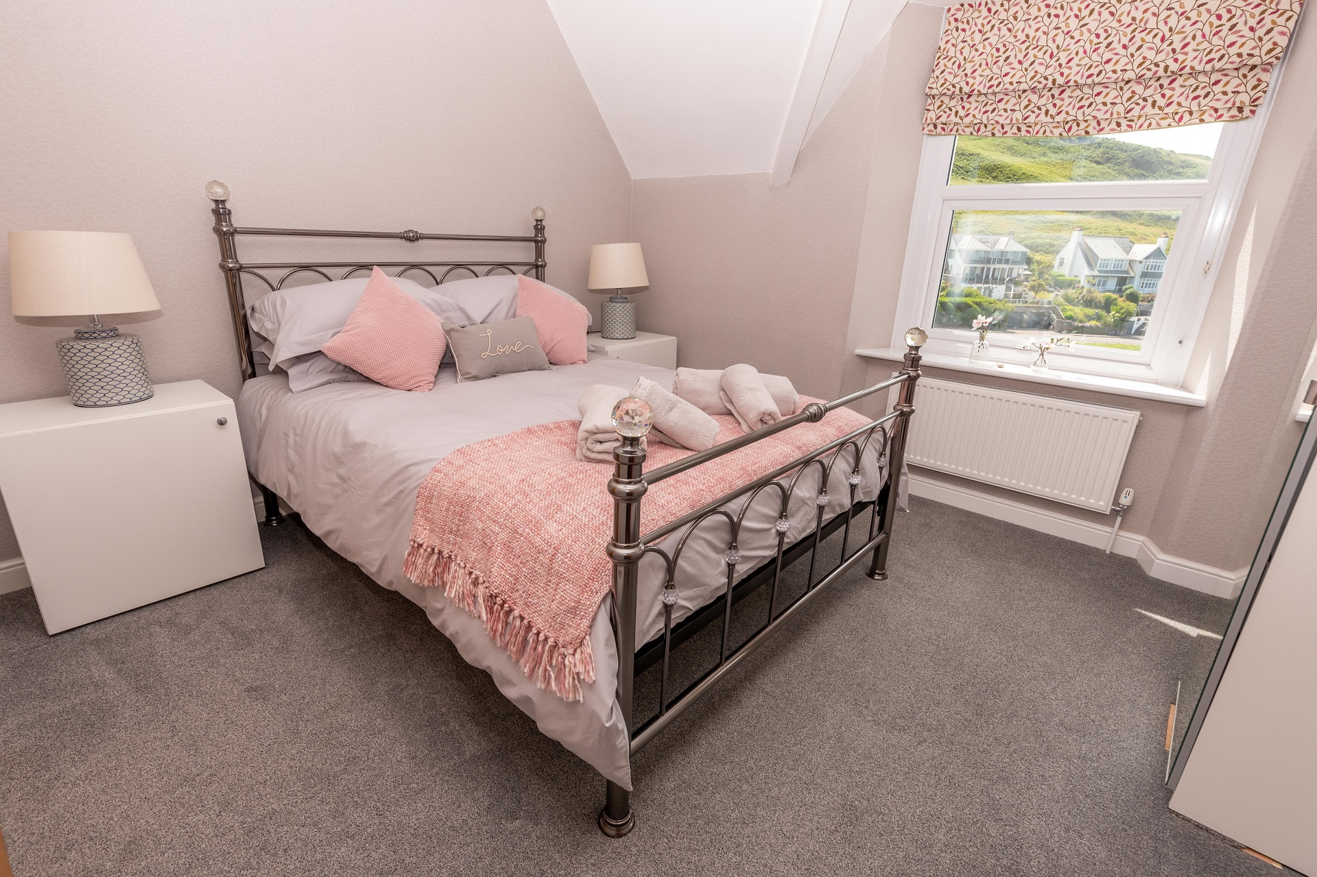 Combesgatehouse Bedroom2